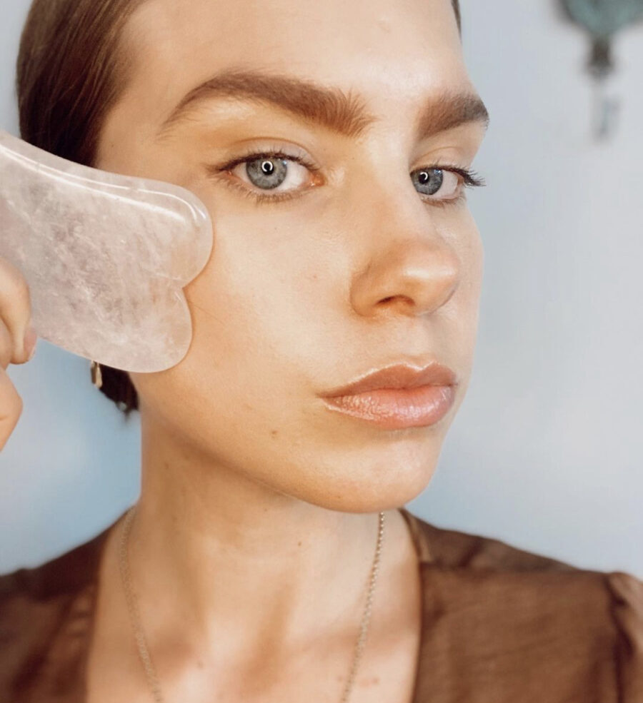 Stephanie Flockhart facial massages gua sha cosmetic acupuncture