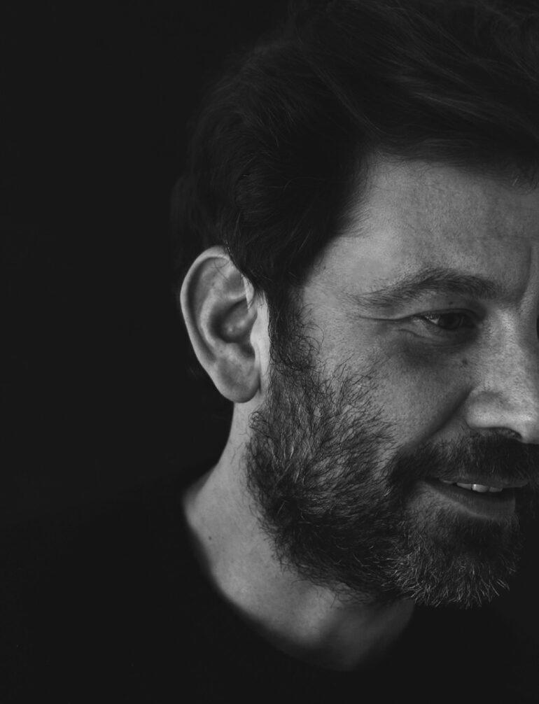 Retrato en blanco y negro Enrique Campos Sanchez por Dario Vazquez